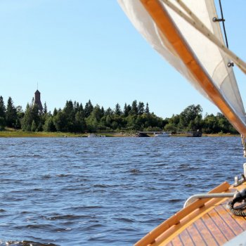 You can also moor a sailing boat at the Iso-Kraaseli island berth